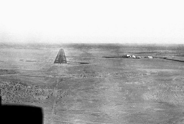 9-1965-12 Aerial of Aproach  30 Runway Dubai  5x7 at 300dpi